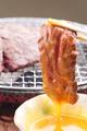 料理メニュー写真黄身付 和牛サガリ