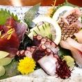 【二幸のおもてなし5】沖縄近海で獲れたお魚を市場で仕入れて、お刺身に。海の幸のイメージが薄い沖縄ですが、新鮮な島魚は美味しいと評判です。ぜひお試しください!