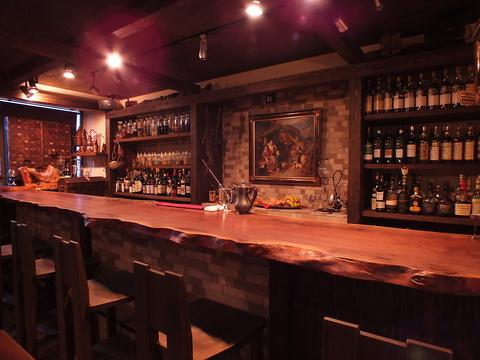 【ひとり飲みバー】今夜は静かに酒と語り合う、新宿にあるひとり飲みにおすすめのバー