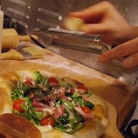 自家製生地のピザ