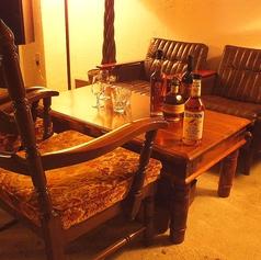 ふかふかのアンティークなソファ席は、ついつい長居してしまいます。