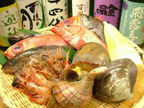 北海道、北福島から直送!寿司と漁師煮に自慢の隠れ処です。