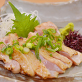 料理メニュー写真大山鶏もも肉のたたき