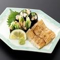 寿司職人がにぎる本格寿司の他にも、絶品の一品料理を多数ご用意しております。どれもお酒に合いやみつきになる美味しさ。