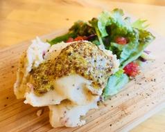 料理メニュー写真ベーコンと玉ねぎのポテトサラダ