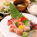 料理メニュー写真かねはち刺身定食(松)