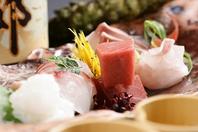 本日市場から届いた鮮魚お造り盛り合わせ