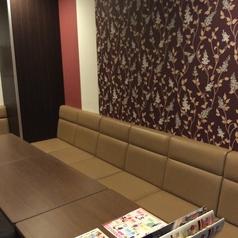 おしゃれな壁紙がかわいいジョイサウンド♪10名様のお部屋なので飲み会の二次会利用にも使われやすいお部屋です★
