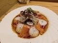 料理メニュー写真サーモンとタコのサラダ