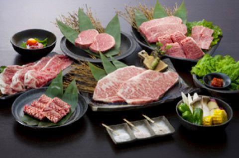 佐賀牛をメインに、焼肉はもちろん、しゃぶしゃぶ・すき焼も楽しめる実力派の人気店。