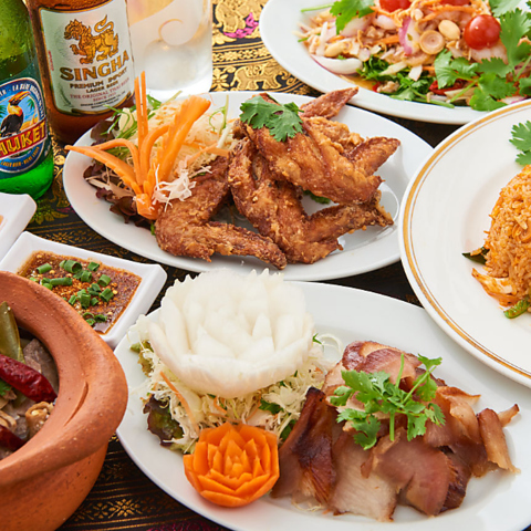 約60種のタイ料理をご用意!タイ料理の定番を堪能できる「定番コース」2200円より♪