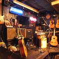 ライブ演奏もできちゃうお店はなかなかありませんよ!ステージで感動的なサプライズを演出して、忘れられない夜をお過ごしいただけます。ギター、ベース、ピアノ、ドラム、ステージがあれば、そこはもうライブ会場のよう♪