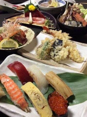 鍋や旬の食材をお気軽に…全6品コース3500円〆はこだわり握り5貫付!