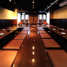 大人数でも対応できる宴会場。完全個室も可!