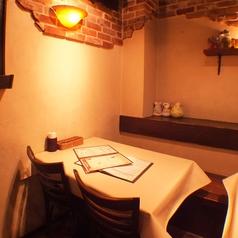 デートにもおすすめ♪少人数でもご利用頂けるテーブル席!こだわりのイタリアンは気軽にお楽しみ頂けます。