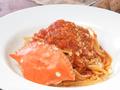 料理メニュー写真渡り蟹のトマトソースパスタ