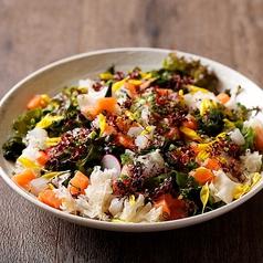 ボリューム満点海鮮サラダ