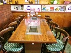 8人席テーブルです。