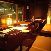 桃太郎通り沿いの夜景が見える窓際のお席は雰囲気◎