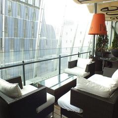 テラスにもふかふかソファー♪チャージ料として1組500円頂いております。 ※雨天時使用不可