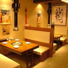 4名テーブル席は5卓あります。