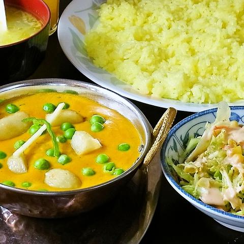 本場のインド料理を豊富にご用意!カレー以外のお料理、食べ放題、パーティーも人気♪