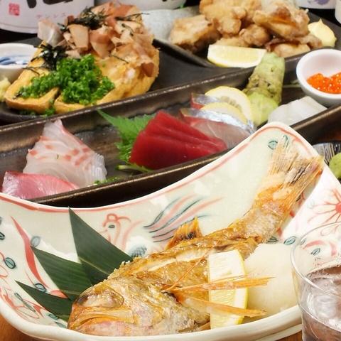 産地直送の魚料理と全国各地の名高いお酒をお楽しみください♪