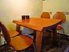 4名様用のお席です。女子会やママ会も当店にお任せください!