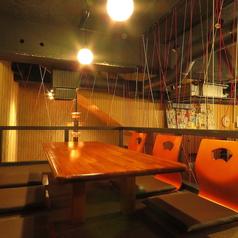 ロフトのお座敷席は隠れ家のような雰囲気で大人気!