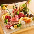 産地直送の朝獲れ新鮮な旬のお魚を揃えてお待ちしております。ボリュームも味も申し分なし!大人数様でも満足頂ける飲み放題付き宴会プランも多数ご用意しております。自慢の新鮮食材を使用した絶品料理に舌鼓を打ちながら、当店で特別なひとときをお過ごしください。宴会プランも充実の品揃えでご用意しております!