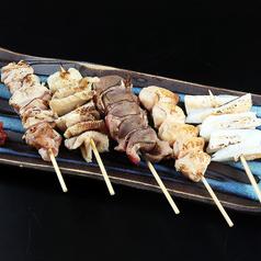 料理メニュー写真比内地鶏串焼き盛り合わせ(5本)