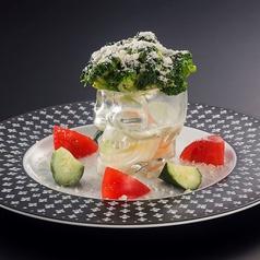 料理メニュー写真スカルアフロブロッコサラダ