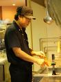 麺の茹で~湯切りが味を決めます!職人の業によって産まれるラーメンをご賞味アレ。