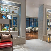 当店は、2015年7月に那覇市の中心街にグランドオープン致しました『ハイアット リージェンシー 那覇 沖縄』の最上階、18階にございます。