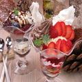 料理メニュー写真チョコレートパフェ・ベリーパフェ