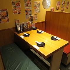気軽に使えるテーブル席