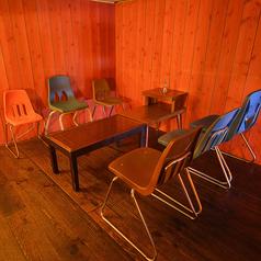 センス良く集められた可愛い椅子達。お気に入りを見つけてね♪