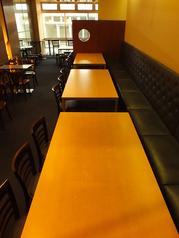 【2F】各種宴会にピッタリのテーブル席!横並びに使える点が◎