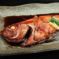 料理メニュー写真地金目鯛の姿煮付け
