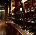 ワインセラーも飲み放題!肉源 仙台店には入口を入るとすぐにワインセラーがございます。なんとこちらのワインセラーは、単品飲み放題・コース飲み放題のどちらを利用しても、すべてが飲み放題に♪熟成肉との相性を考え選び抜かれたワインを多数ご用意しております!