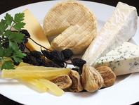 ヨーロッパ産チーズ各種
