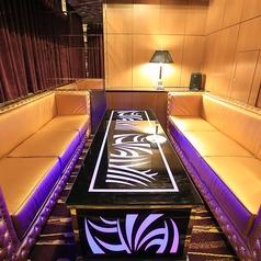 フロア内には完全個室もあるので控室としてもご利用可能!