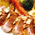 料理メニュー写真●マグロのレアグリル・ガーリックバター風味