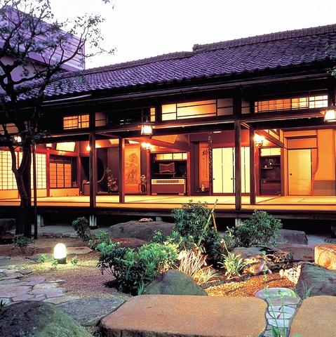 森鴎外の旧邸です。プロが選んだ日本のホテル・旅館100選」の宿。至福のひと時を…