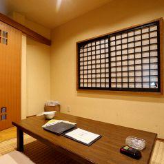 畳の座敷も半個室空間