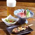 ■晩酌セット(青葉)■枝豆のお新香、比内地鶏ねぎまの串焼き、旬のお造り二種、お好きなドリンク一杯(生ビール、焼酎、日本酒など) の晩酌メニュー。1650円(抜)