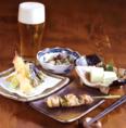 【15:30~17:00限定】早晩酌セット !!本日の小鉢、自家製ずんだ豆腐、海老と季節野菜の天ぷら、比内地鶏ねぎま串焼き、お好きなドリンク一杯(生ビール、焼酎、日本酒など)のお得セット。1380円(抜)