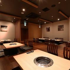 団体様用完全個室です!広々とご利用頂ける掘りごたつテーブル席。大人数の宴会も大歓迎!10~24名様専用です