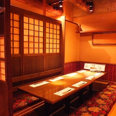 【完全個室】個室ならではの落ち着いた作りです。6名様より10名様までOKです。事前予約お願いしております。