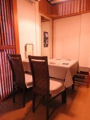 お食事会やご宴会に。テーブルをつなげて10名様迄ご利用頂けます。